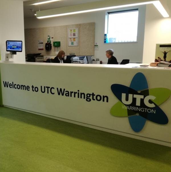 sito di incontri di Warrington incontri coppie immagini